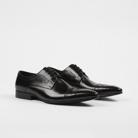 Leather Lace-Up Brogue Pointed Cap Toe Shoes // Black (US: 7)