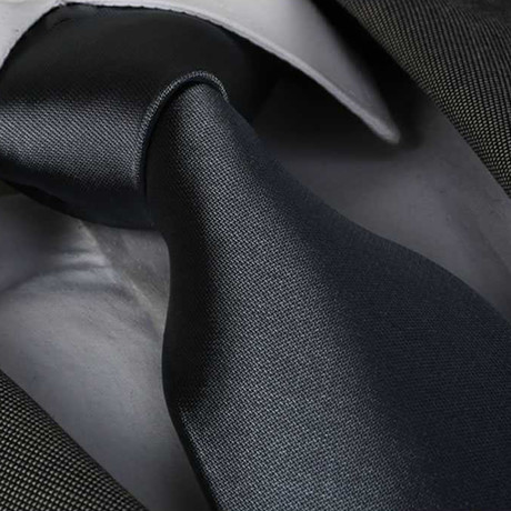 Tie // Solid Charcoal Gray