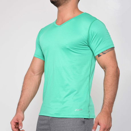 T-Shirt V-Neck // Green (S)