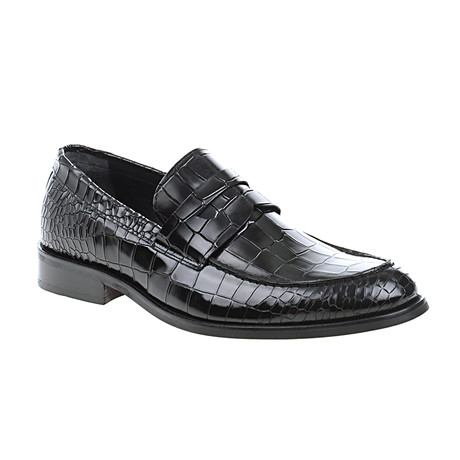 Crocodile Embossed Penny Loafer // Black