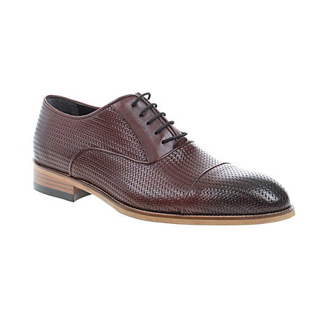 Weave Embossed Oxford // Claret Red