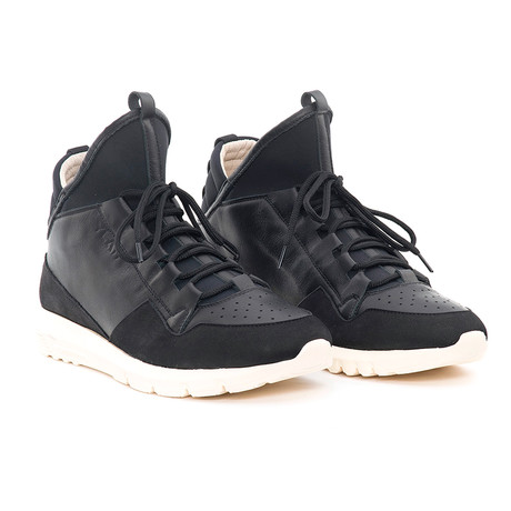 Dedalo Black Leather