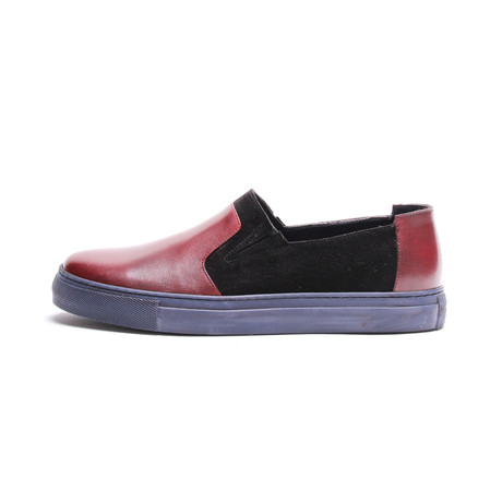 Cerrit // Bordeaux Black (Euro: 40)