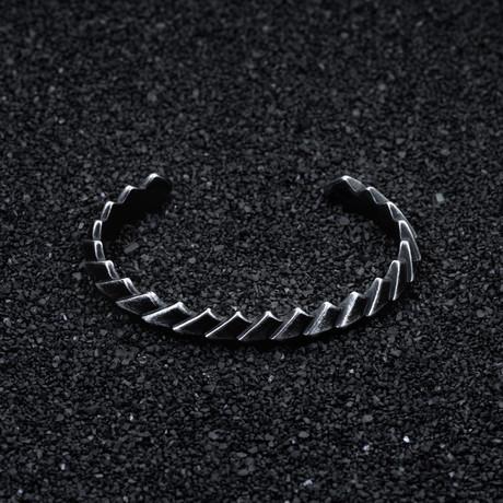 Molten Bracelet // Aged Black
