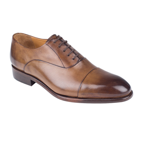 Classic Oxford // Tobacco Antique (Euro: 39)