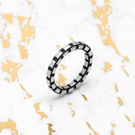 Steve Madden // Box Chain Band Ring (Size 9)