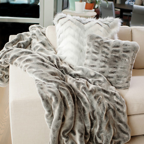 Couture Faux Fur Throw (Gray Chinchilla)