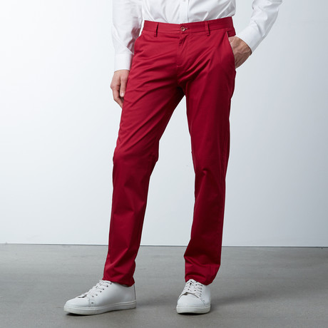 Comfort Fit Casual Chino Pant // Berry (30WX32L)