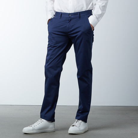 Comfort Fit Casual Chino Pant // Navy (30WX32L)