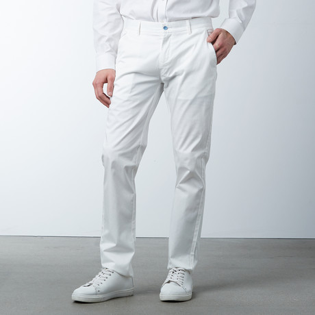 Comfort Fit Casual Chino Pant // White (30WX32L)