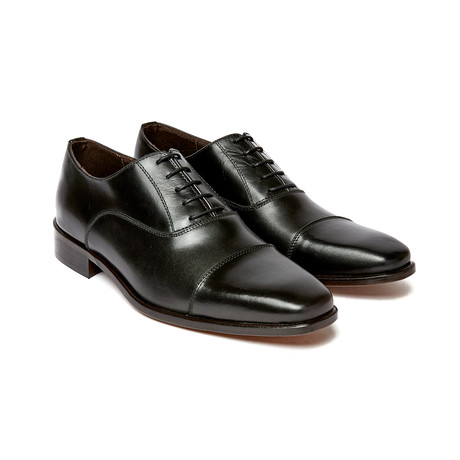 Cap Toe Oxford // Black (Euro: 40)