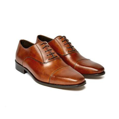 Cap Toe Oxford // Brown // FD1054 (Euro: 40)