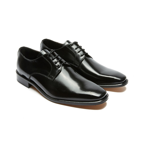Yadiel Plain Derby // Black (Euro: 40)