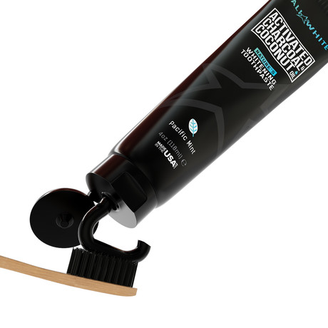 Cali White // Charcoal Whitening Toothpaste