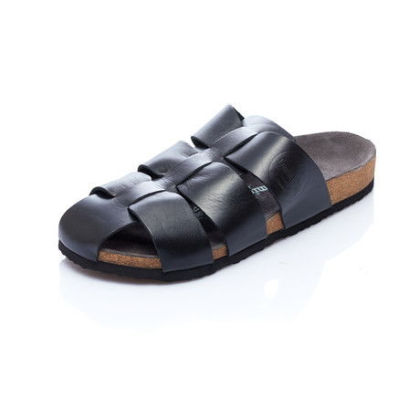Fred Sandal // Black (Euro: 40)