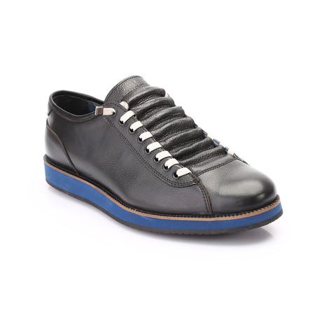 Jim Shoe // Black (Euro: 42)