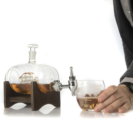 Barrel Decanter With Ship