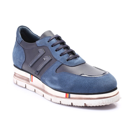 Pierce Shoe // Dark Blue (Euro: 39)
