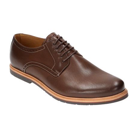 Lace-Up Oxford // Brown