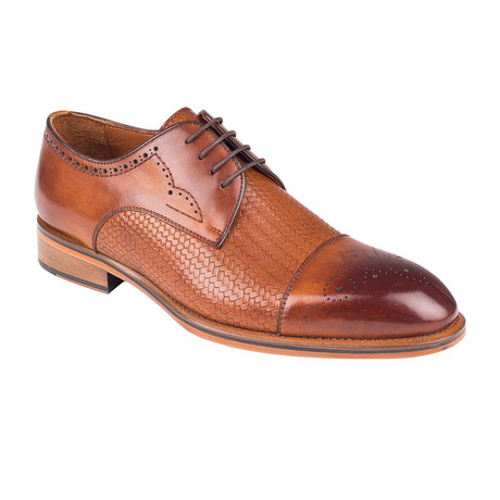 Weave Embossed Brogue // Tobacco Straw