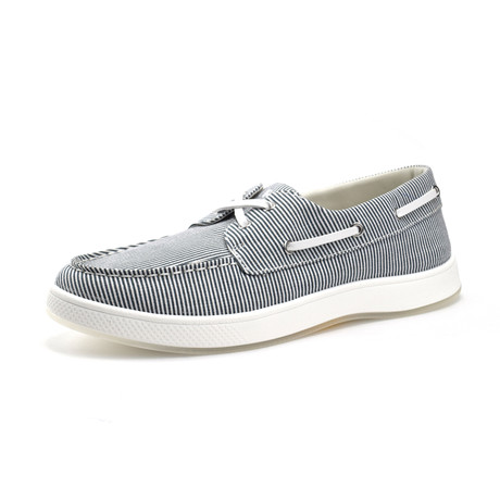 Ferris Shoe // White + Navy Blue