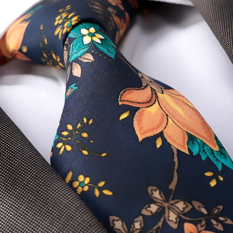 Raffaele Silk Tie // Navy Blue Flowers