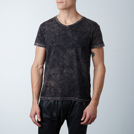 Mineral Wash V-Neck // Mineral Black (XS)
