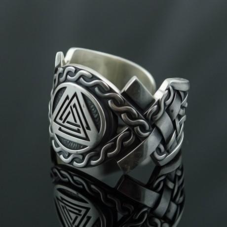 Aarhus Style Collection // Valknut Symbol Ring