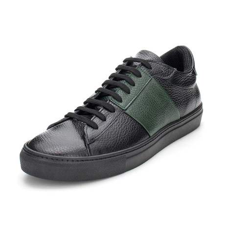 Vomero // Black + Green