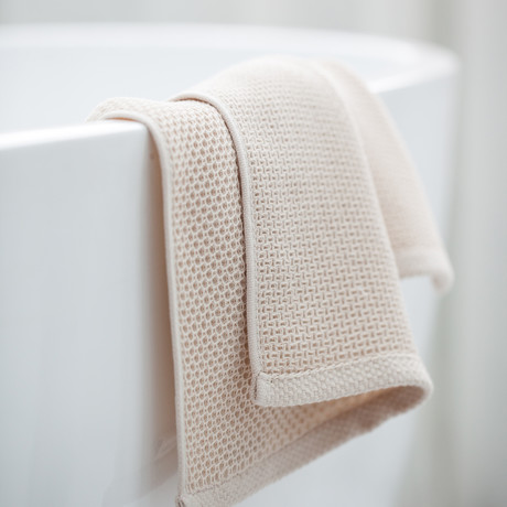 Bath Towel // Set of 2 (Creamy White)