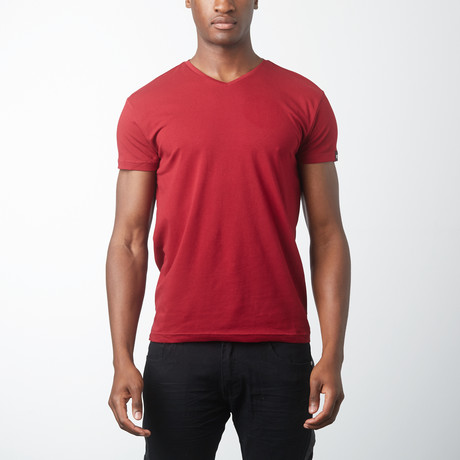 V-neck T-Shirt // Burgundy
