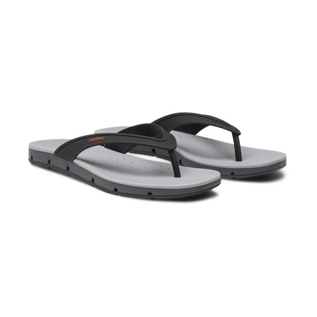Breeze Thong Sandal // Black + Graphite