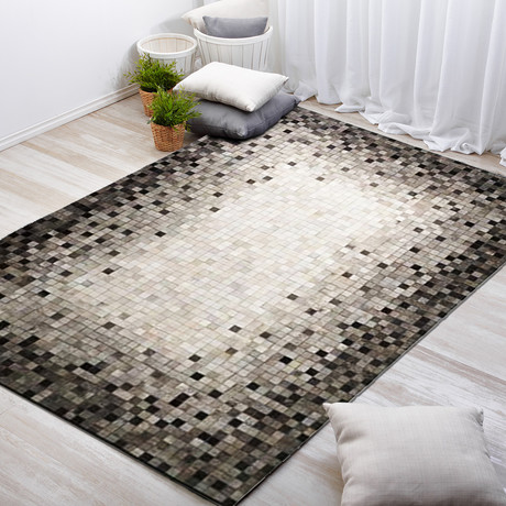 Pampera Rug // Concentric Pewter (5'L x 8'W)