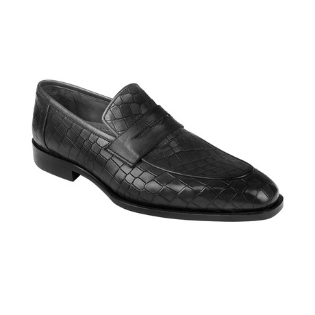 Croc Embossed Penny Loafer  // Black Crocodile (Euro: 39)