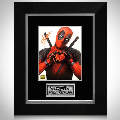 Deadpool Heart // Ryan Reynolds + Stan Lee Signed Photo // Custom Frame
