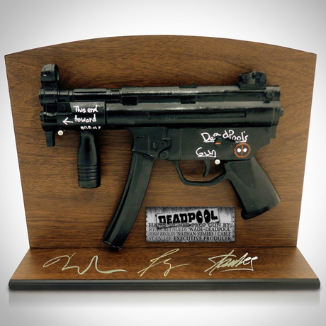 Deadpool Gun // Ryan Reynolds + Josh Brolin + Stan Lee Signed