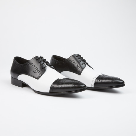 Leather Lace-Up Brogue Pointed Cap Toe Shoes // Black + White (US: 6)