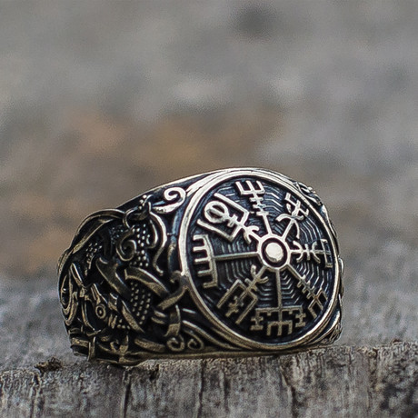 Viking Collection // Mammen Ornament + Vegvisir Ring (5)