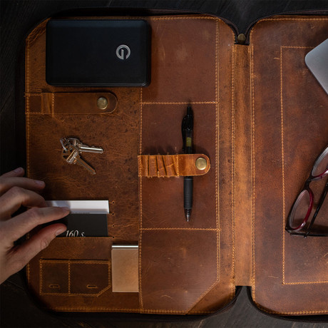 Leather MacBook Portfolio