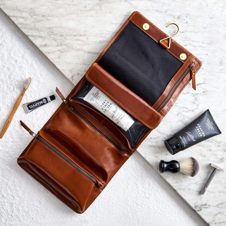 Leather Hanging Wash Bag // Tan (Tan)
