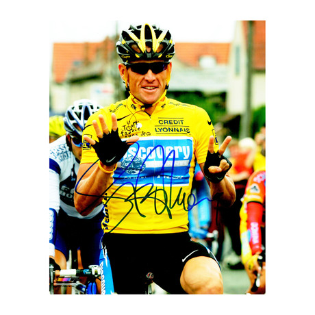 Lance Armstrong Signed 2005 Tour De France Holding Up Seven Fingers 8x10 Photo