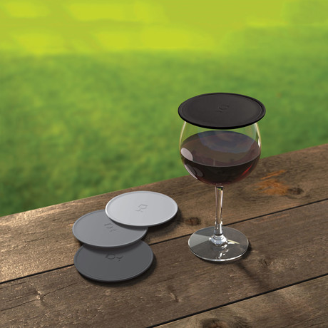 Drink Tops Tap + Seal Wine Glass Covers // Set of 4 (Black + Gray)