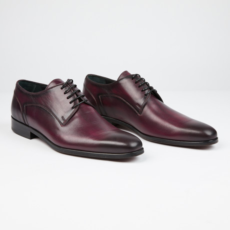 Plain Toe Lace-Up // Wine (US: 7)