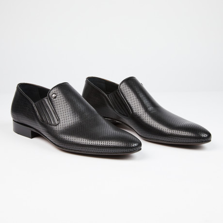 Perforated Leather Loafer // Black (US: 7)