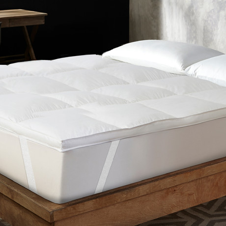 """Hotel Laundry // 1.5"""" Featherbed (Twin)"""