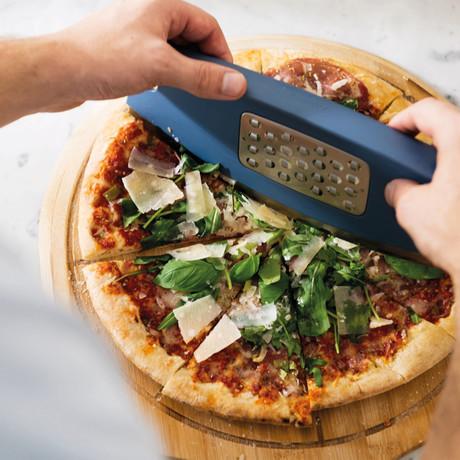 Leo Pizza Slicer + Grater Set
