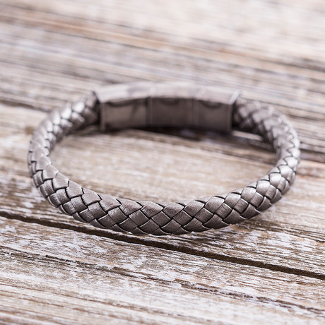 Steel Evolution // Braided Leather Bracelet // Gray