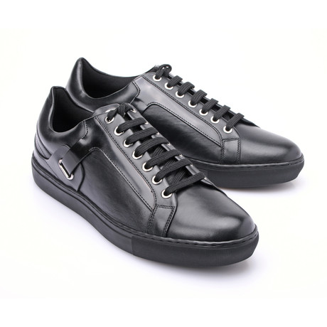 Patent Leather Detail Lace-Up Sneaker // Black (Euro: 39)