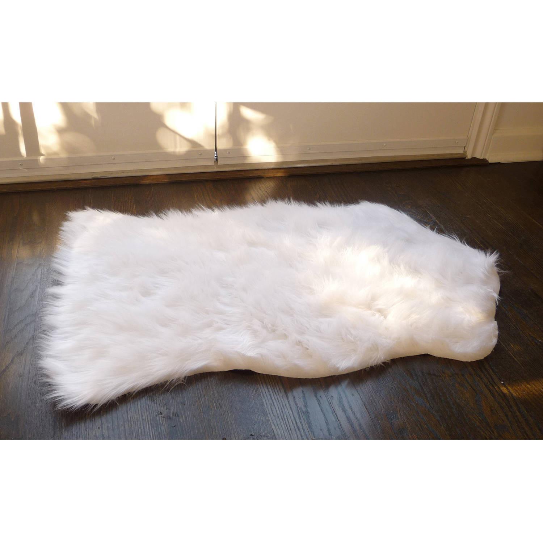 "Luxury Decorative // Faux Fur Rug // White Sheepskin (28""L"