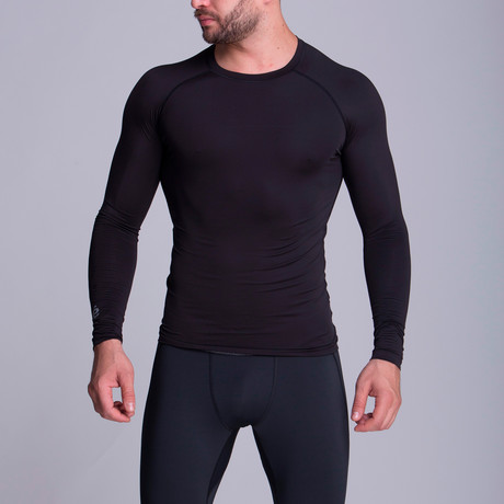 Long Sleeved Athletic Shirt // Black (XS)